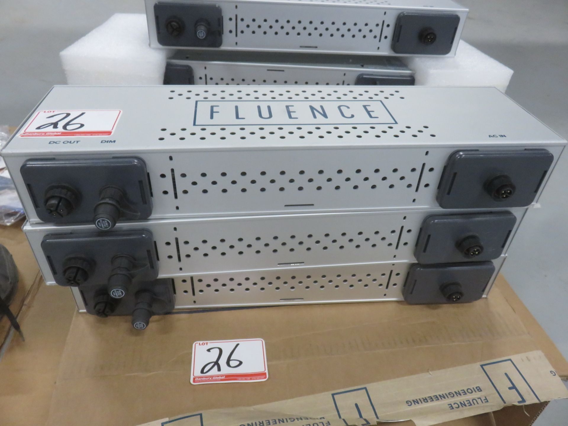 Lot 26 - UNITS - FLUENCE PSE-3-600-S4-DIM POWER SUPPLIES