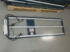 UNITS - FLUENCE BIOENGINEERING RR1P1 4' LED LIGHT BARS W/ POWERLAND LED CONTROL GEAR PLD135 POWER