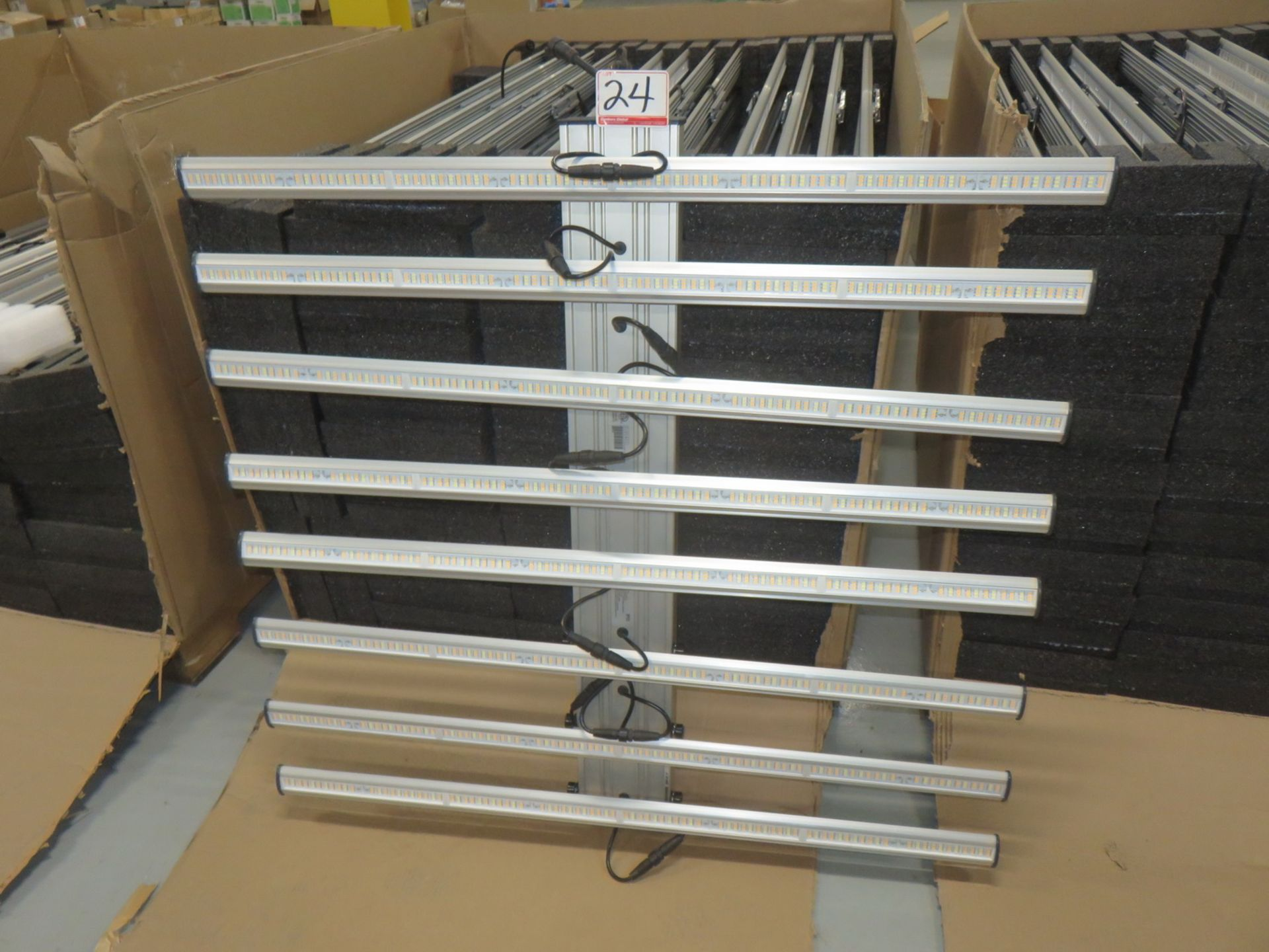 Lot 24 - LOT - NEW 2018 FLUENCE (BY OSRAM) SPYDR X FULL-CYCLE TOP-LIGHTING FOR COMMERCIAL HORTICULTURE