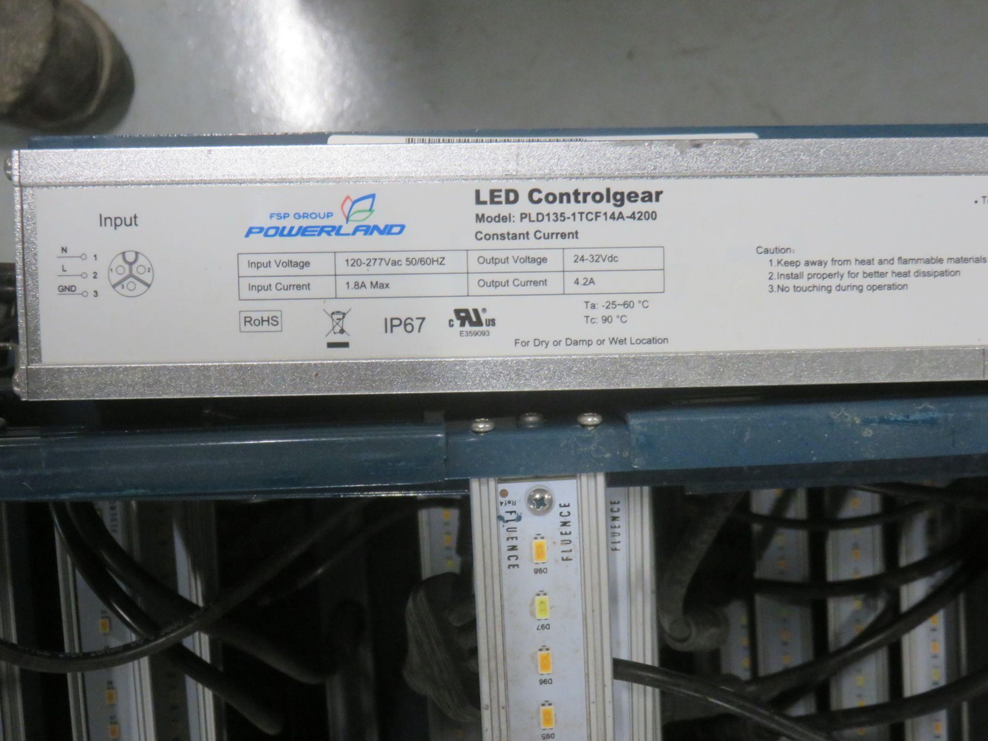 Lot 25 - UNITS - FLUENCE BIOENGINEERING RR1P1 4' LED LIGHT BARS W/ POWERLAND LED CONTROL GEAR PLD135 POWER