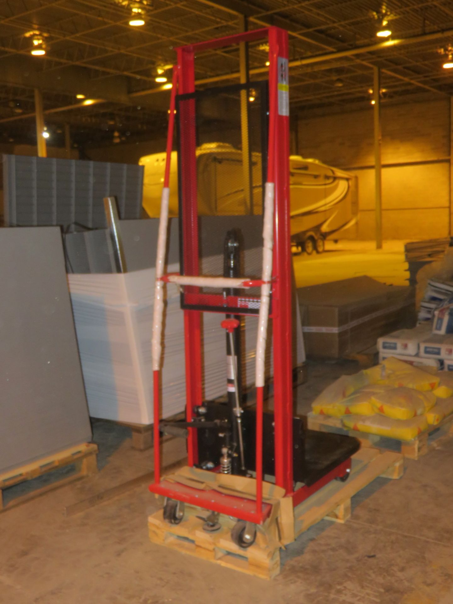 """Lot 2 - NEW - DAYTON 2MPT3 1000LBS CAP HYDRAULIC (FOOT ACTIVATED) 24"""" X 24"""" X 80"""" LIFT PORTABLE DIE LIFT"""