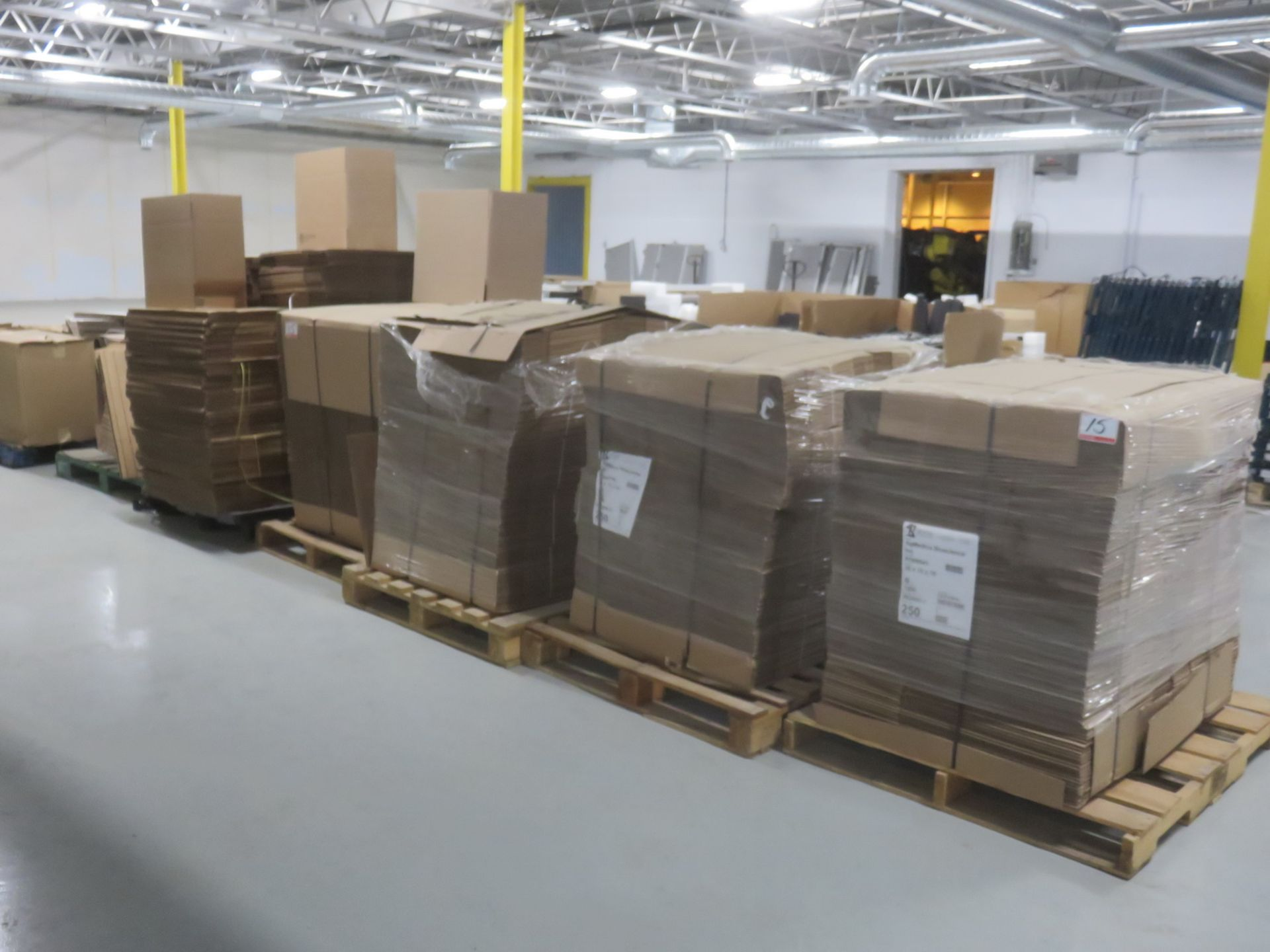 """Lot 15 - LOT - ASSORTED NEW CARDBOARD BOXES - ROYAL 20 X 10 X 10"""" APPROX., & GROWN MILL 10 X 6 X 4.5"""" APPROX,"""