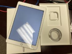 APPLE IPAD 6TH GENERATION (A1893) MR7G2CL/A 32GB WI-FI IPAD C/W LIGHTING CABLE, POWER ADAPTER & BOX