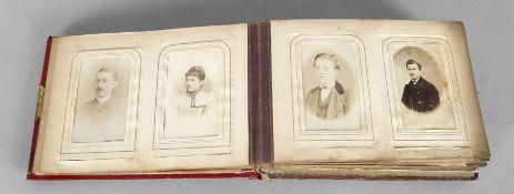 Fotoalbum mit Musikwerk, um 1860-80