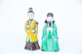 Two Chinese biscuit porcelain sancai glaze figures, Kangxi, 中国, 三彩素瓷像两件,康熙,18世纪初 early 18th century,