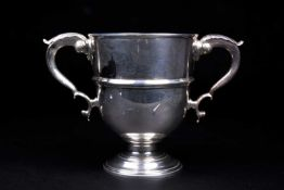 A George V silver twin-handled trophy, London 1920 by Charles & Richard Comyns, 20 cm high, 40 ozt.