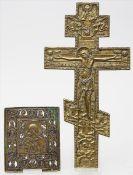Bronzeikone und Ikonenkreuz.