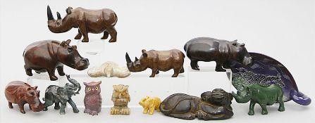 12 Tierskulpturen und Schale.