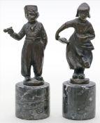 Unbekannter Künstler (Anf. 20. Jh.)Holländerknabe und -mädchen. Bronze mit dunkelbrauner Patina.