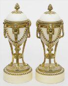 Paar Ziervasen bzw. Leuchter im Stil Louis XVI.