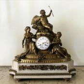 Figürliche Pendule im Stil Louis XVI.