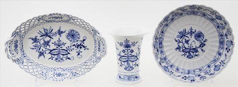 Vase und zwei Schalen, Meissen.
