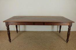 Teakhouten tafel met 2 laden op gedraaide poten, h. 76, br. 210, d. 94 cm.