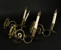 Lot van 3 bronzen wandapplique's met 2 kaarsenhouders, (vermaakt tot elektra)