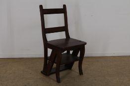 Gebeitst grenen bibliotheek trapje/stoel.