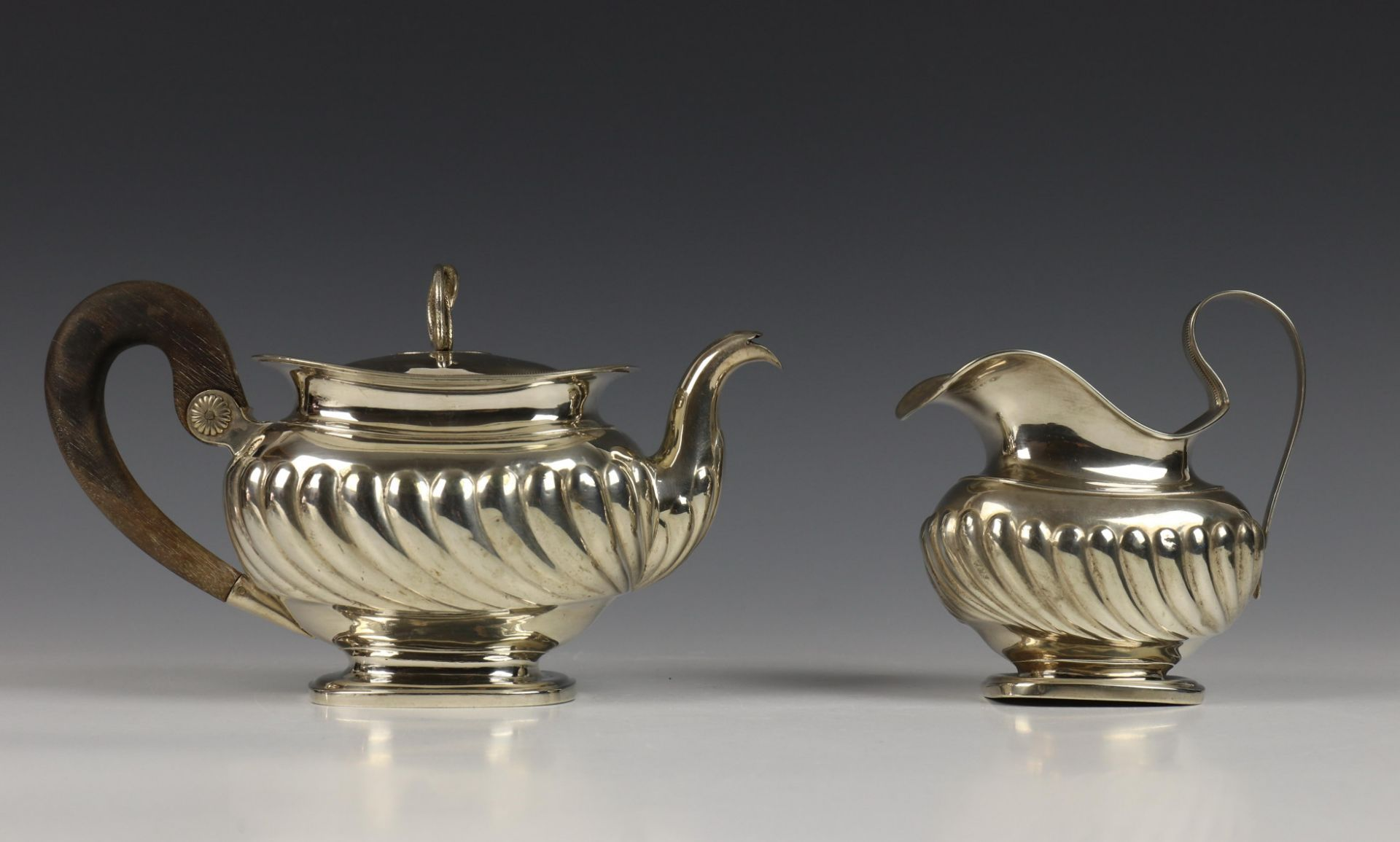 Theepot en melkkan, 1st helft 19e eeuw,