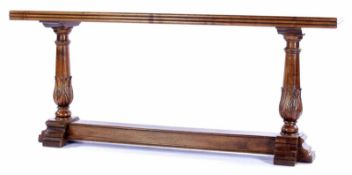 Notensidetable72,5 cm hoog, 170x32 cm