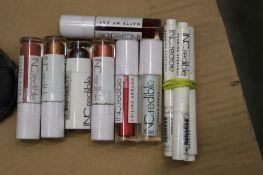 Mixed Lot - 384 Inc.redible Lipgloss/lipstick RRP £3078