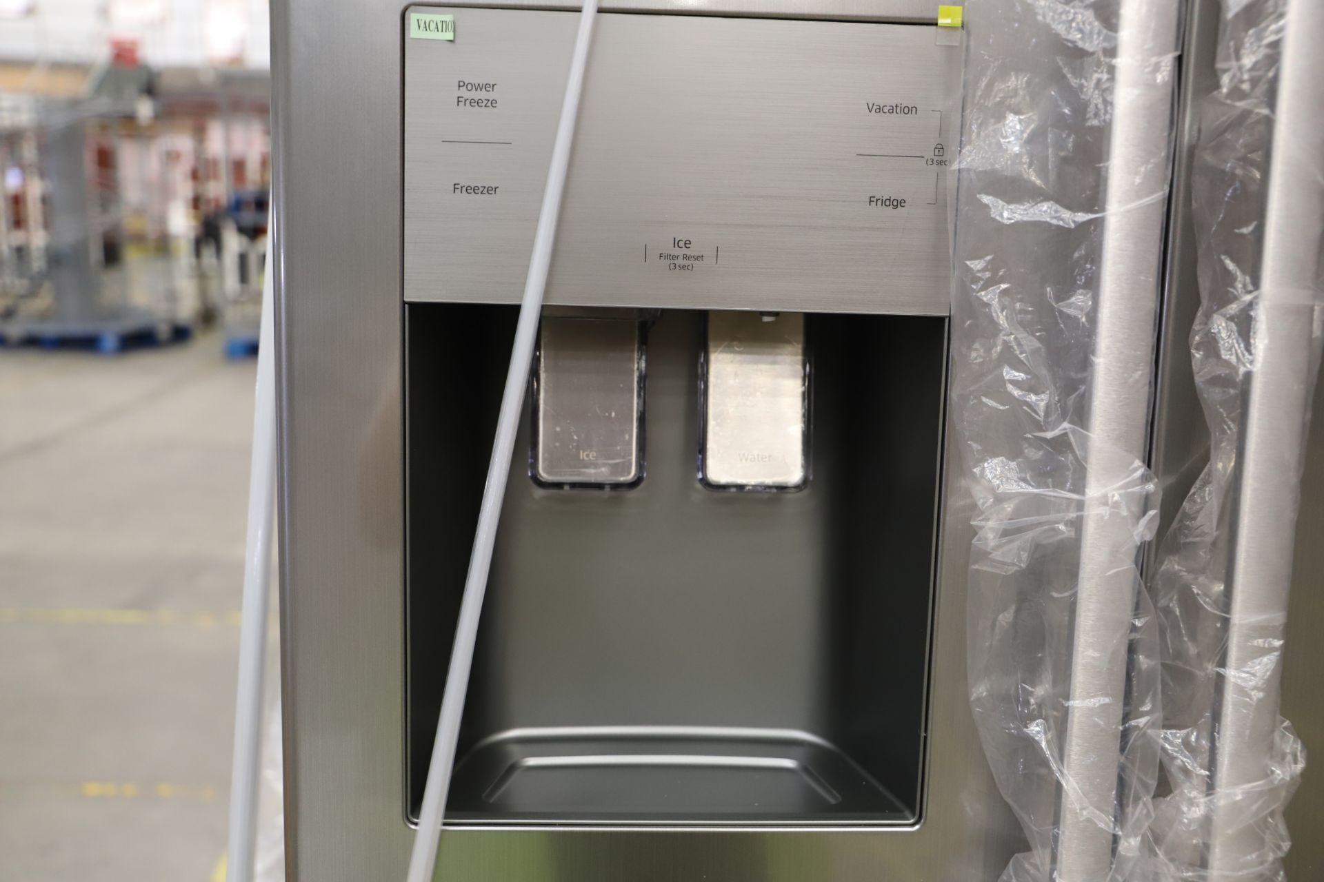 Pallet of 1 Samsung Water & Ice Fridge freezer. Latest selling price £929.99* - Image 8 of 9