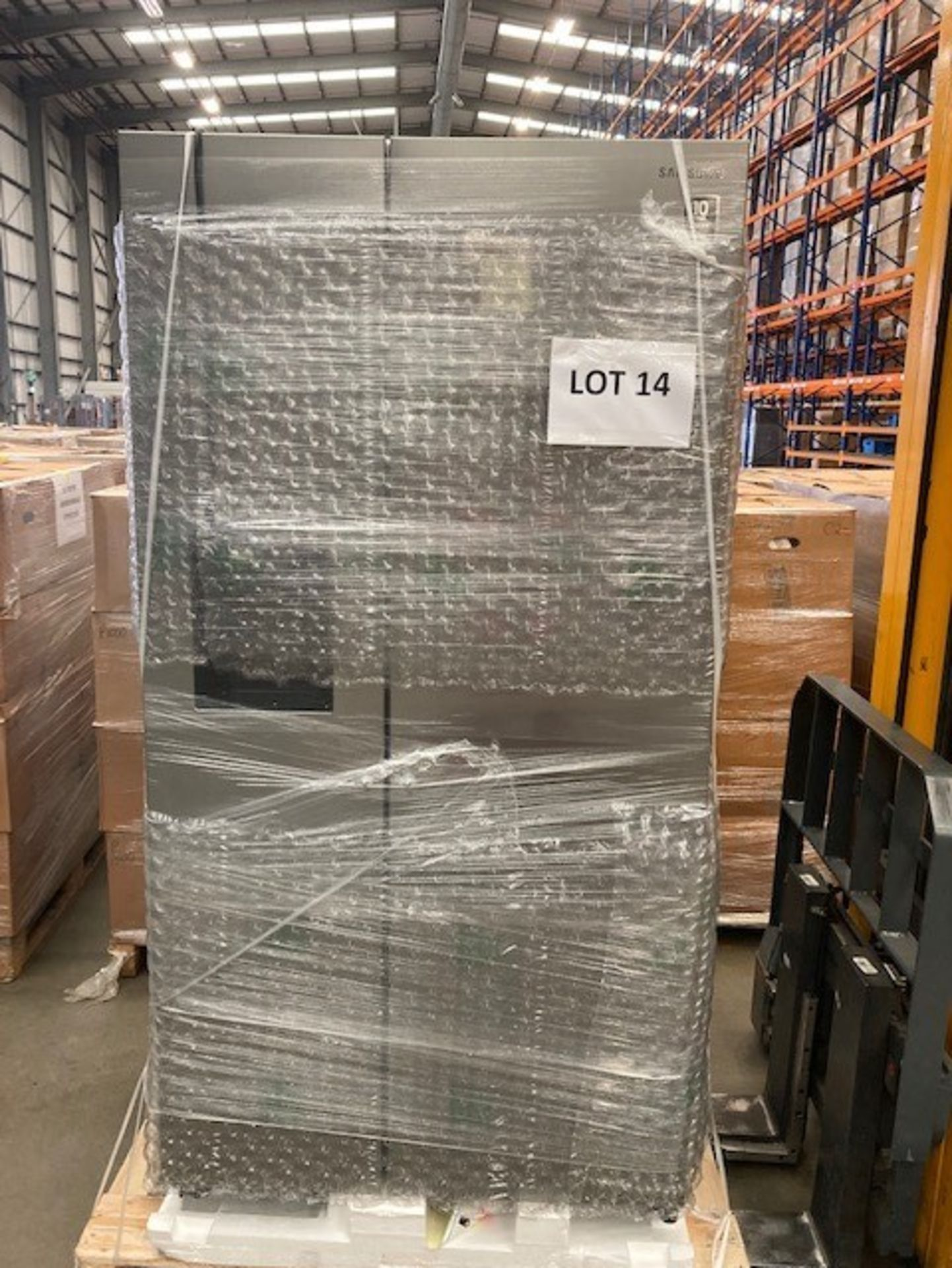 Pallet of 1 Samsung Water & Ice Fridge freezer. Latest selling price £1,299.99* - Image 5 of 7