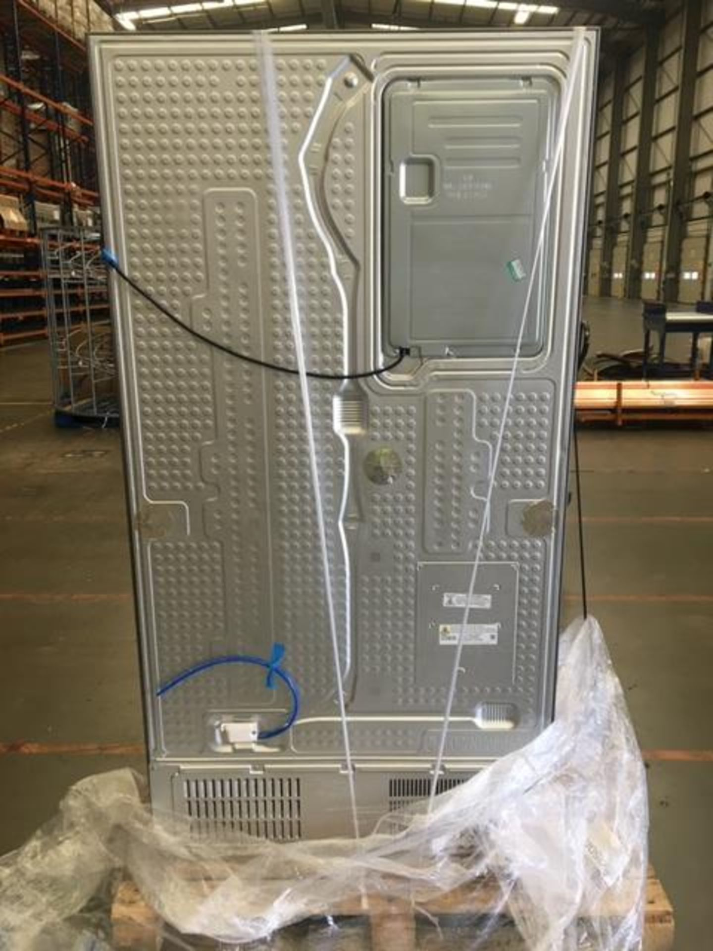 Pallet of 1 Samsung Water & Ice Fridge freezer. Latest selling price £1,769.99* - Image 9 of 10