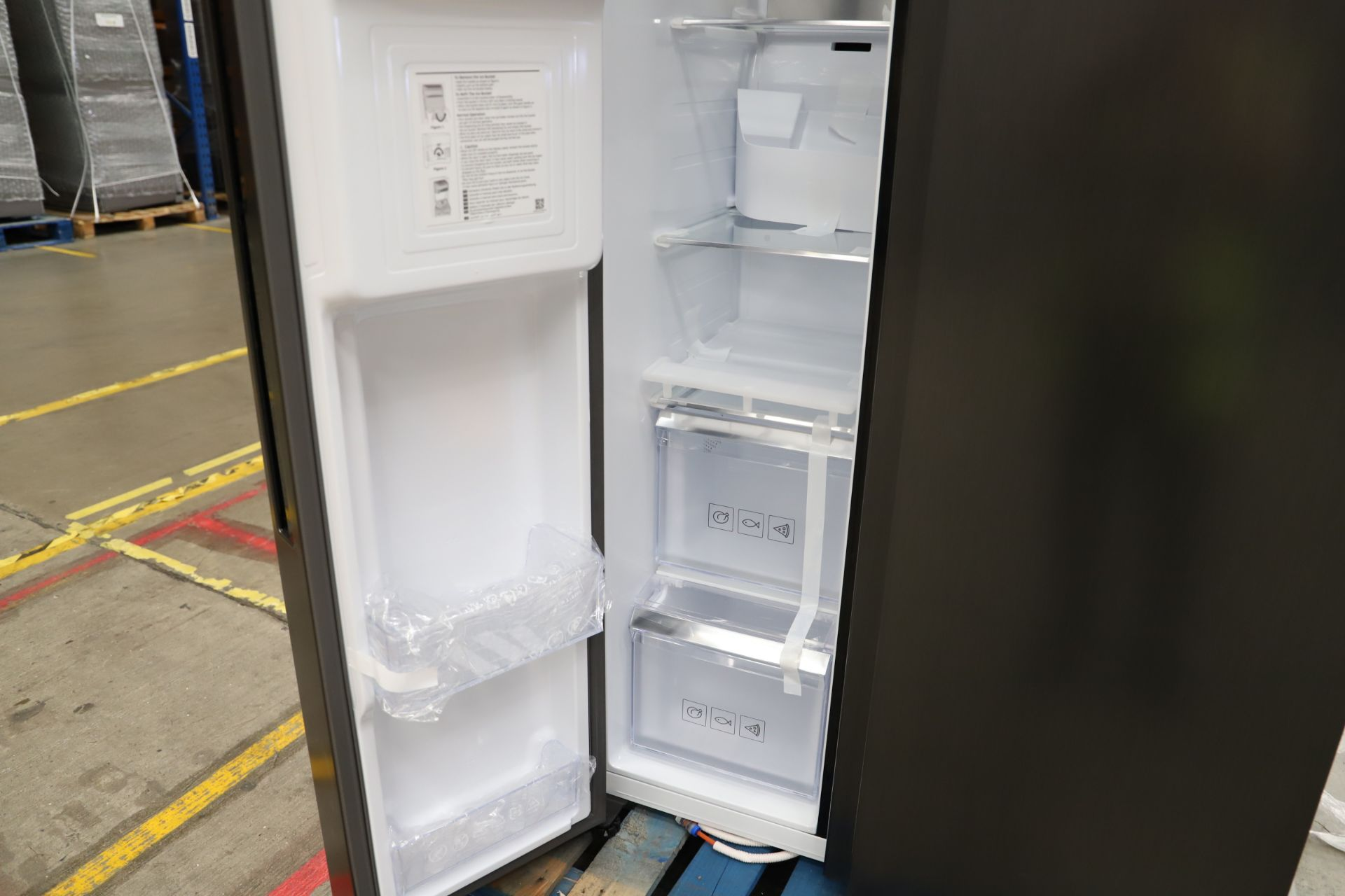 Pallet of 1 Samsung Water & Ice Fridge freezer. Latest selling price £1,799.99 - Image 6 of 10