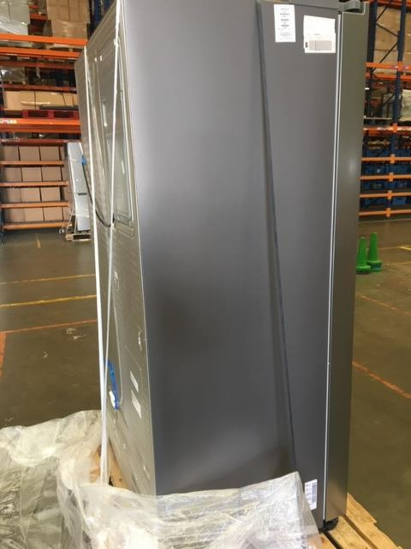Pallet of 1 Samsung Water & Ice Fridge freezer. Latest selling price £1,769.99* - Image 8 of 10
