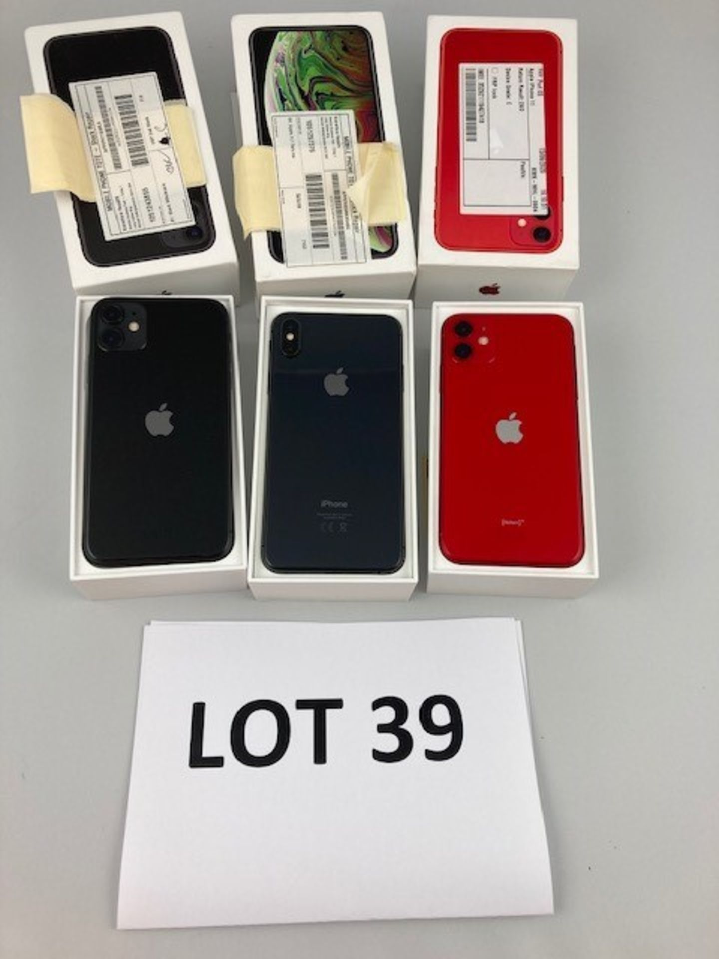 Lot 39 - Box of 3 Apple Iphones. Latest selling price £ *2,287