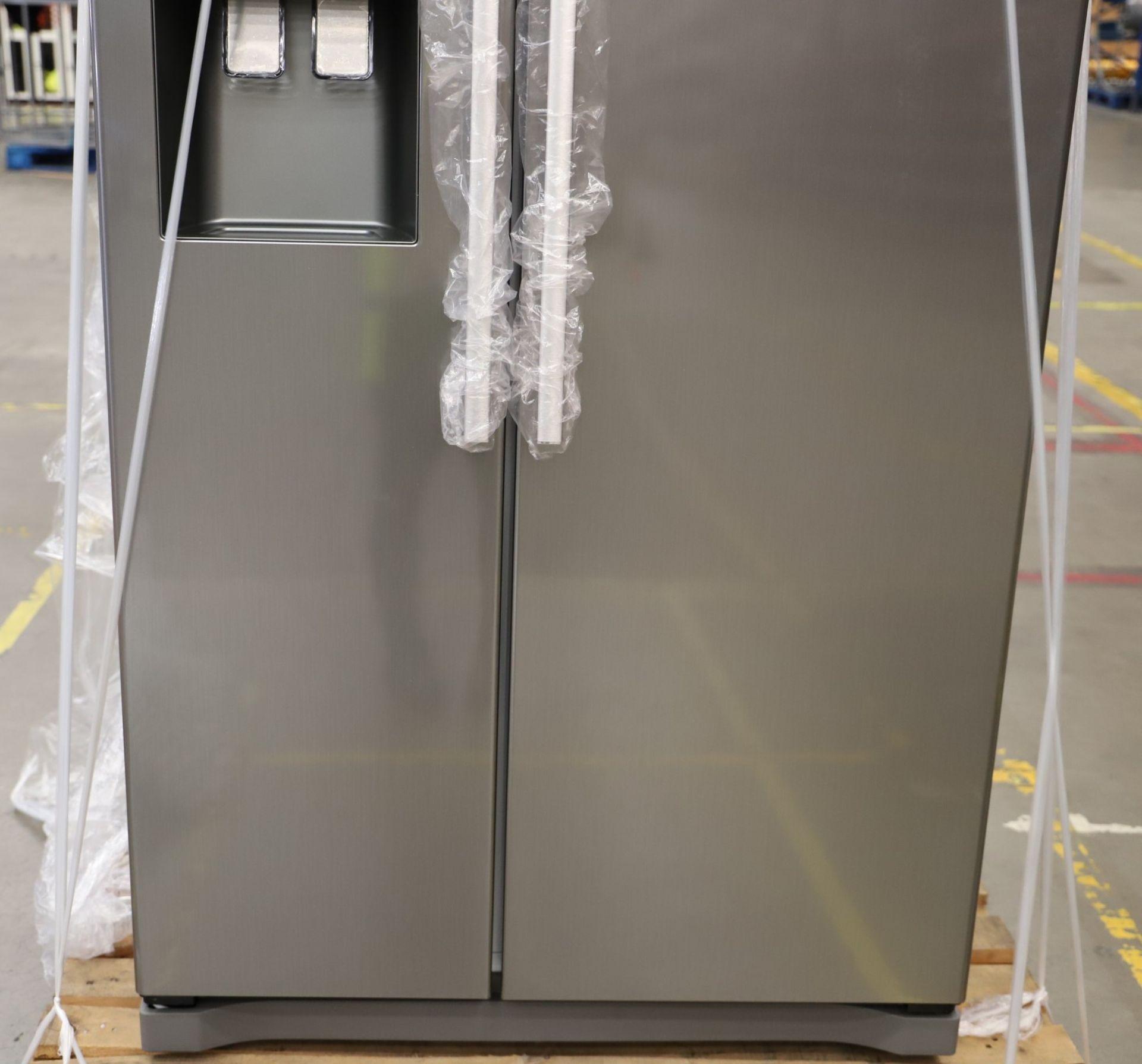 Pallet of 1 Samsung Water & Ice Fridge freezer. Latest selling price £929.99* - Image 9 of 9