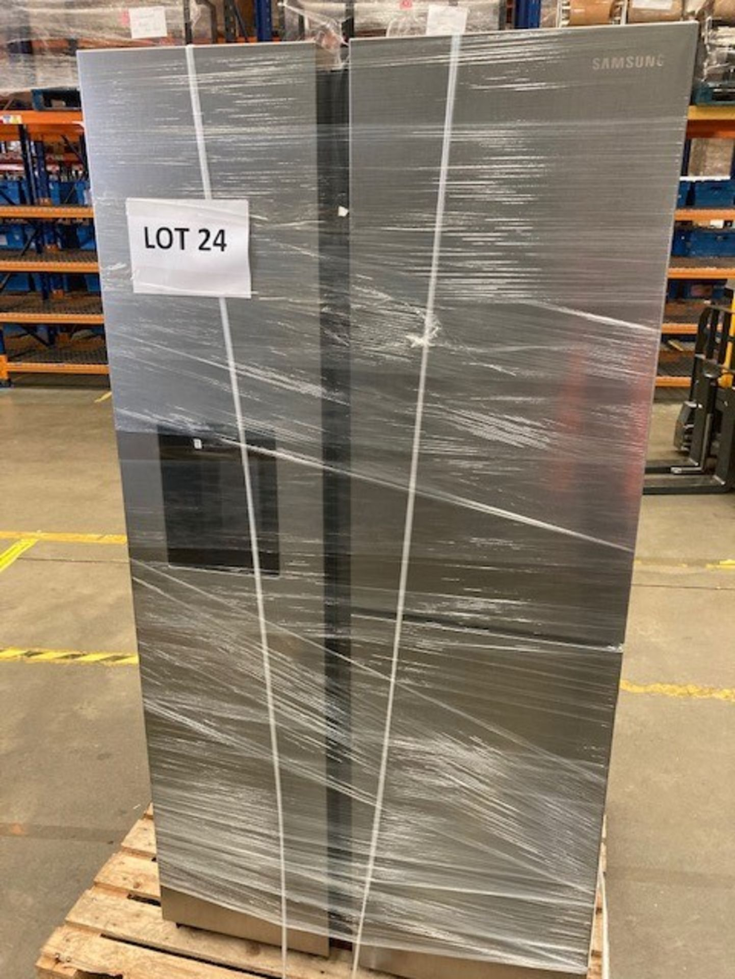 Lot 24 - Pallet of 1 Samsung Water & Ice Fridge freezer. Latest selling price £1,769.99*