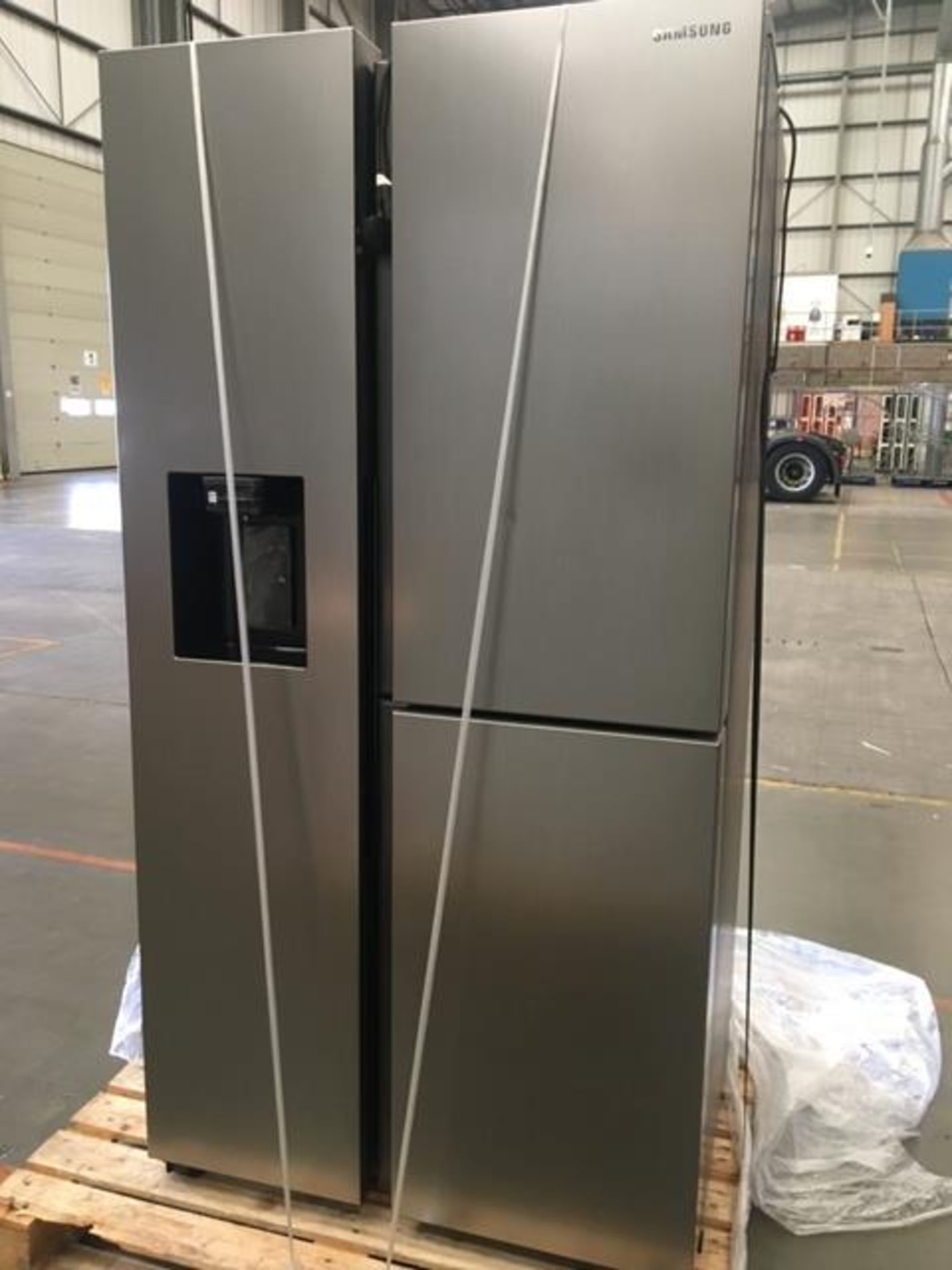 Pallet of 1 Samsung Water & Ice Fridge freezer. Latest selling price £1,769.99* - Image 10 of 10