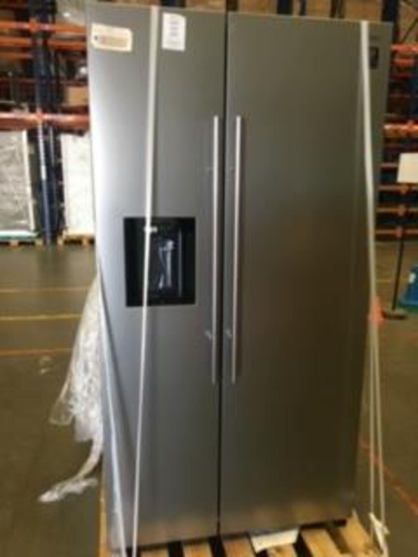 Lot 7 - Pallet of 1 Samsung Water & Ice Fridge freezer. Latest selling price £1,299.99*