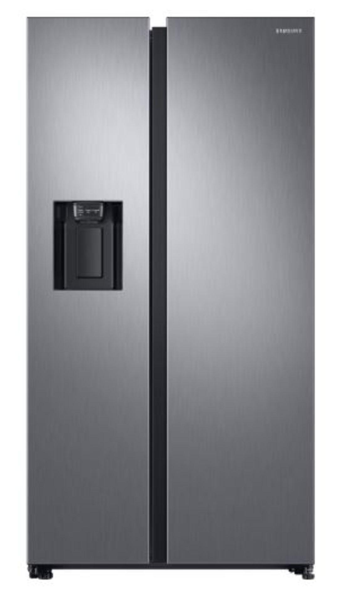 Pallet of 1 Samsung Water & Ice Fridge freezer. Latest selling price £1,329.99*