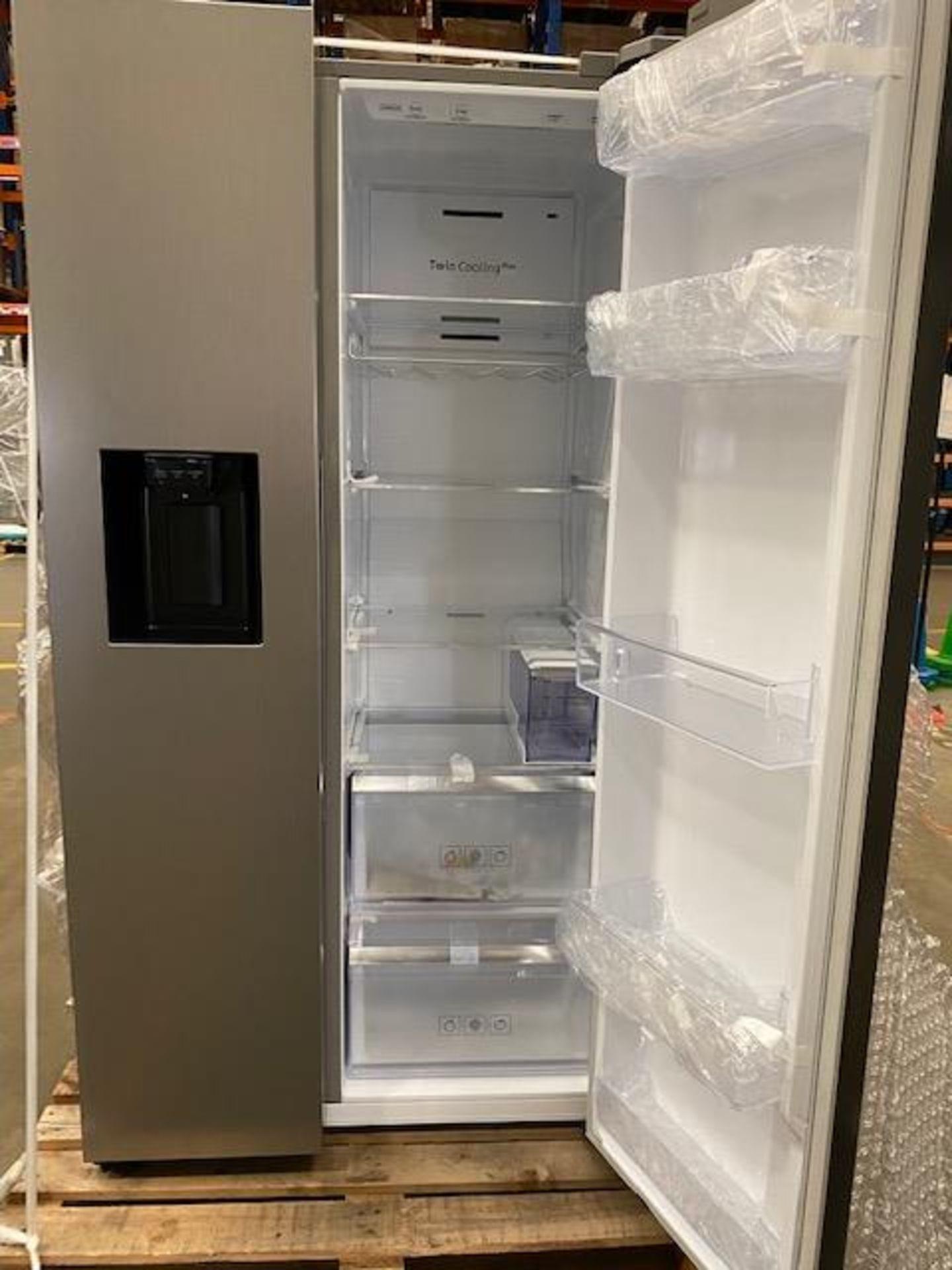 Pallet of 1 Samsung Water & Ice Fridge freezer. Latest selling price £1,329.99* - Image 5 of 9