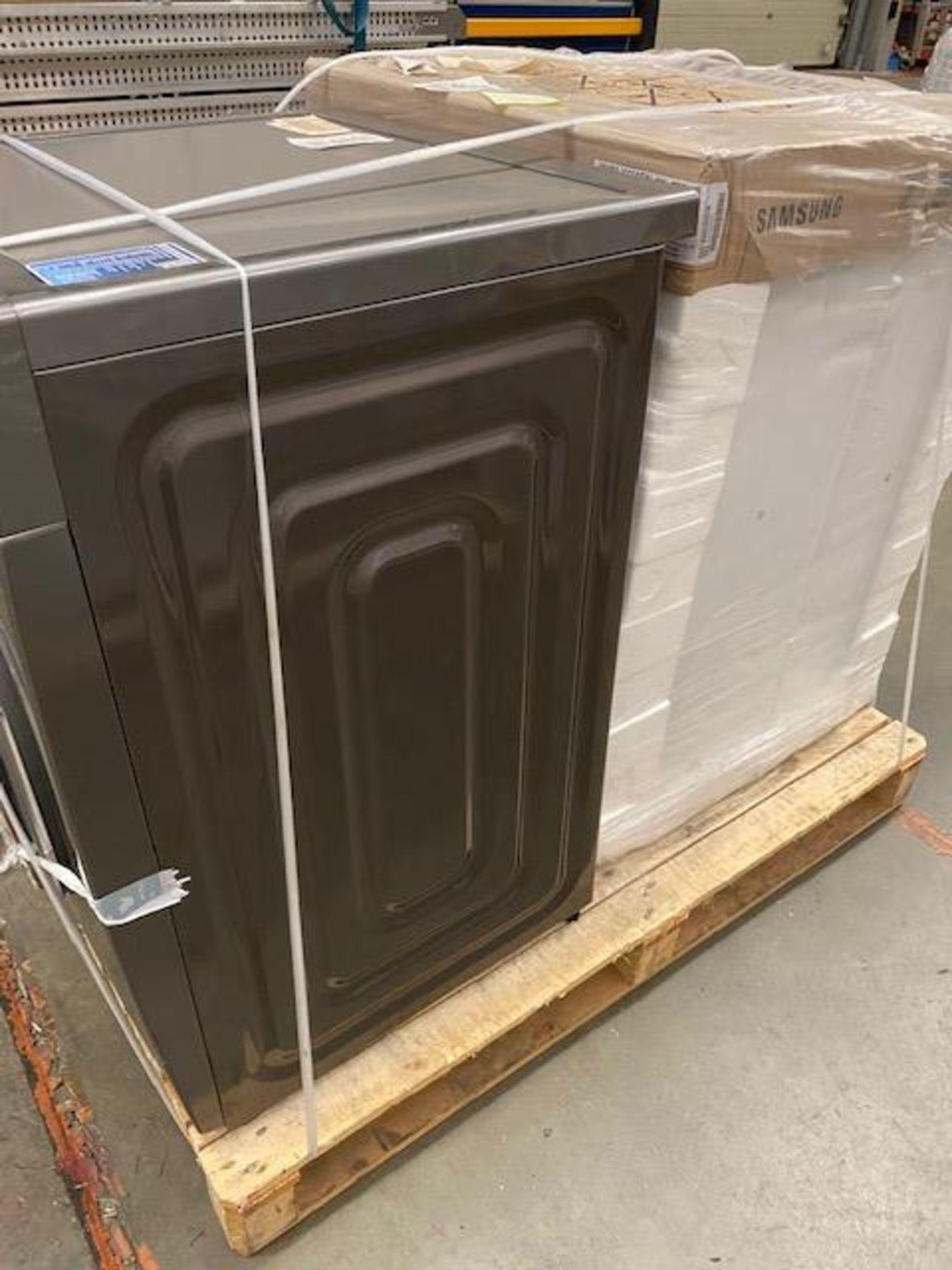 Pallet of 2 Samsung Premium Washing machines. Total Latest selling price £678* - Image 7 of 9