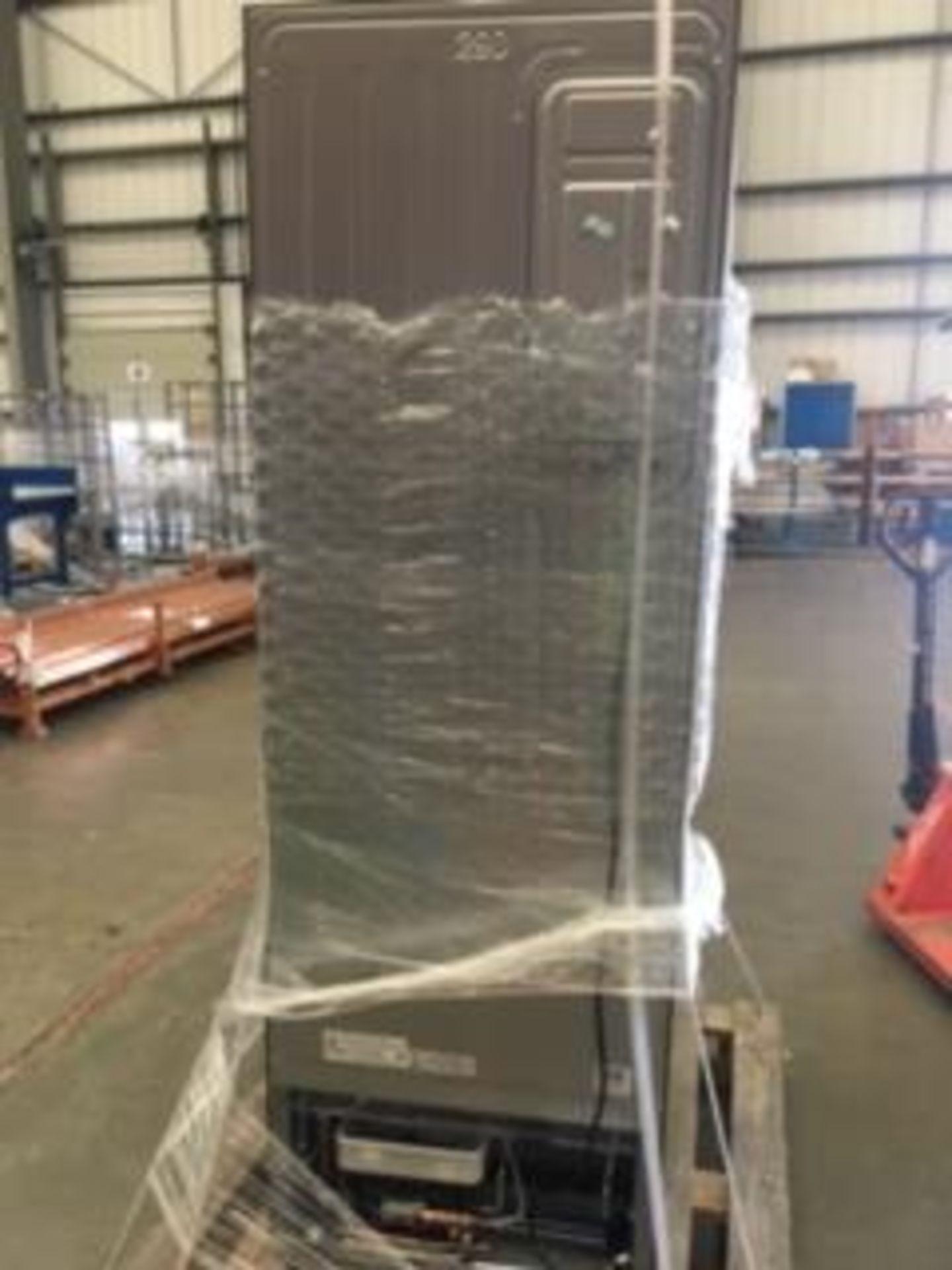 Pallet of 1 Samsung 60CM Fridge Freezer. Latest selling price £399 - Image 5 of 7