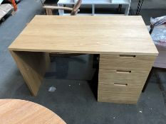 1 BESPOKE DESIGNER WOODEN DESK IN NATURAL (PUBLIC VIEWING AVAILABLE)
