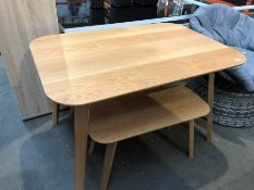 1 BESPOKE DESIGNER WOODEN DINING TABLE WITH 2 MATCHING BENCHES IN NATURAL (PUBLIC VIEWING