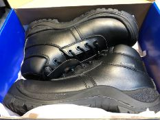 1 BOXED PAIR OF PROMAN SAFETY FOOTWEAR BOOTS - BLACK / SIZE: 6 UK (PUBLIC VIEWING AVAILABLE)
