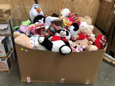 1 LOT TO CONTAIN A VERY LARGE BOX CONTAINING SOFT TOYS INCLUDING DISNEY PRODUCTS PUBLIC VIEWING