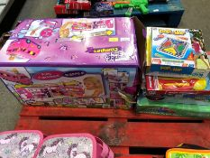 1 LOT TO CONTAIN AN ASSORTMENT OF MIXED KIDS TOYS TO INCLUDE SPARKLE GIRLZ CAMPER VAN PUBLIC VIEWING