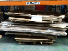 1 LOT TO CONTAIN AN ASSORTMENT OF OFFICE PRODUCTS / PRIMARILY MADE UP OF NOTICE AND WHITE BOARDS,