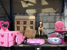 1 LOT TO CONTAIN A LARGE ASSORTMENT OF GIRLS TOYS / INCLUDES CD PLAYER, LARGE HORSE AND VERY LARGE