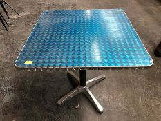 OUTDOOR SQUARE METAL CAFÉ TABLE