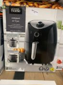 1 LOT TO CONTAIN 1 1.5 L COMPACT AIR FRYER (THIS ITEM IS AN UNTESTED CUSTOMER RETURN. PUBLIC VIEWING
