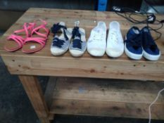 1 LOT TO CONTAIN 4 PAIRS OF SHOES, BLUE TRAINERS KIDS SIZE 11, WHITE AND BLUE SANDALS WOMENS SIZE