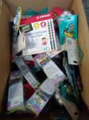 1 LOT TO CONTAIN ASSORTED ITEMS TO INCLUDE STATIONERY SUCH AS WAX CRAYONS, EASYGRAPH PACK, PENS,