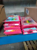 1 LOT TO CONTAIN 16 X PACKS OF COLOURED FELT TIP PENS AND 1 X PACK OF PENCIL CRAYONS