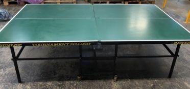 DUNLOP TOURNAMENT ROLLAWAY TABLE TENNIS TABLE