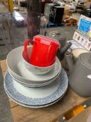 1 LOT TO CONTAIN ASSORTED LOT OF DINING PLATES AND FOOD BOWLS / WATER JUG / 2 GREY TEA POTS / GREY S